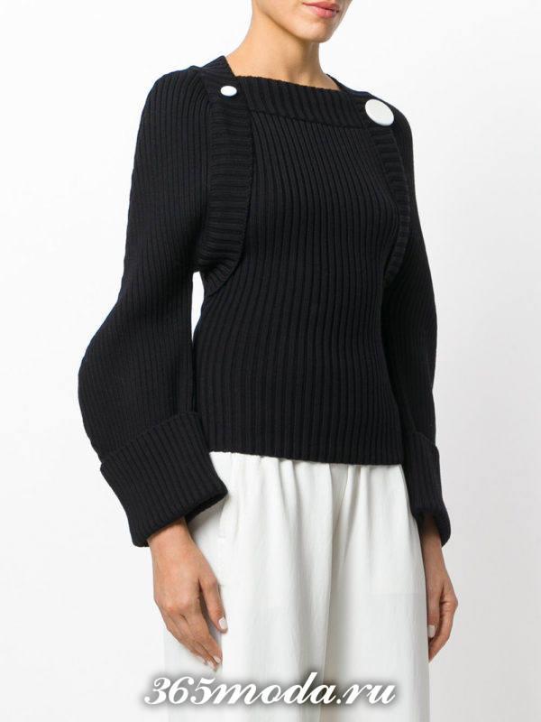 базовый черный свитер с пышными рукавами