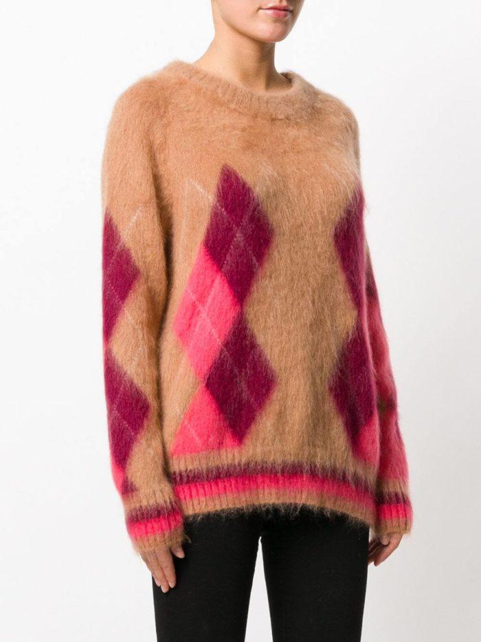 Базовый гардероб: свитер с геометрическим рисунком