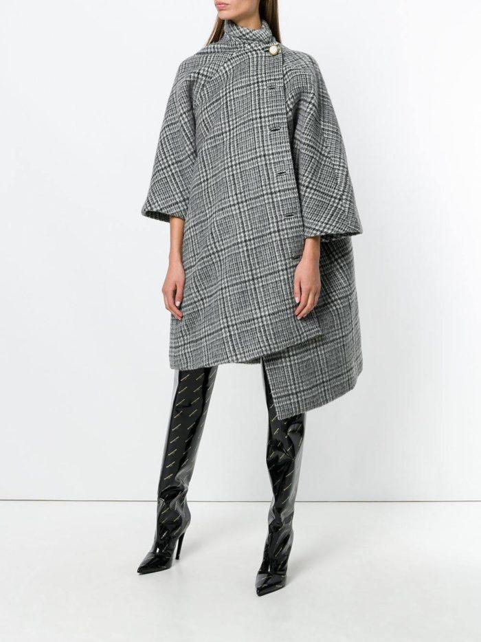 Базовый гардероб: асимметричное пальто