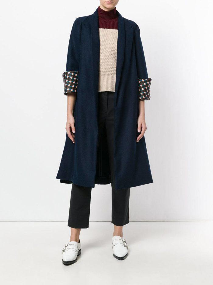 Базовый гардероб: синее пальто