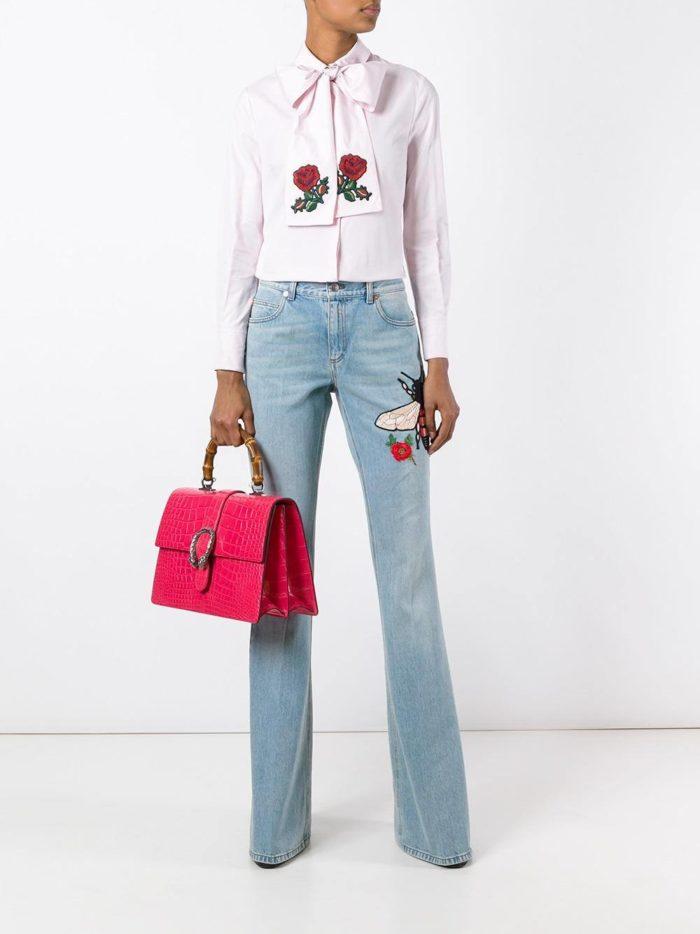 летние базовые светлые джинсы клеш