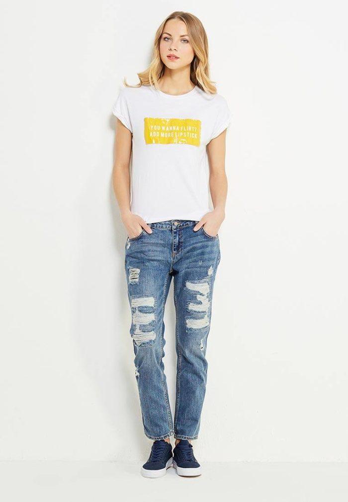 летние базовые рваные джинсы бойфренды