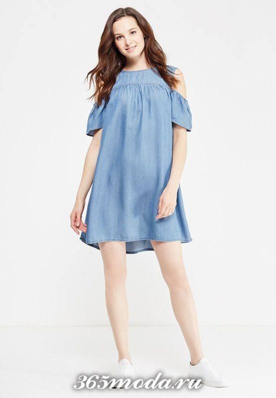 базовое летнее свободное платье с открытыми плечами