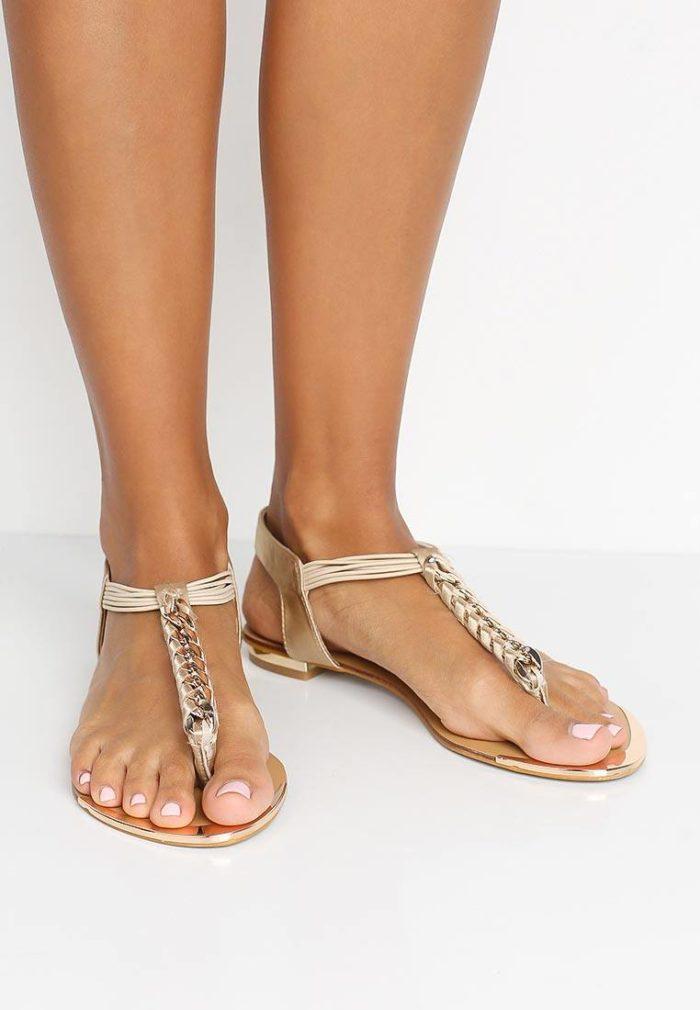 базовые летние сандалии с камнями