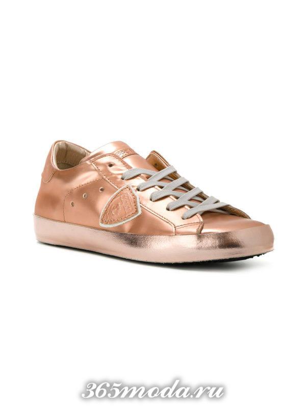 монохромные кроссовки зотой металлик