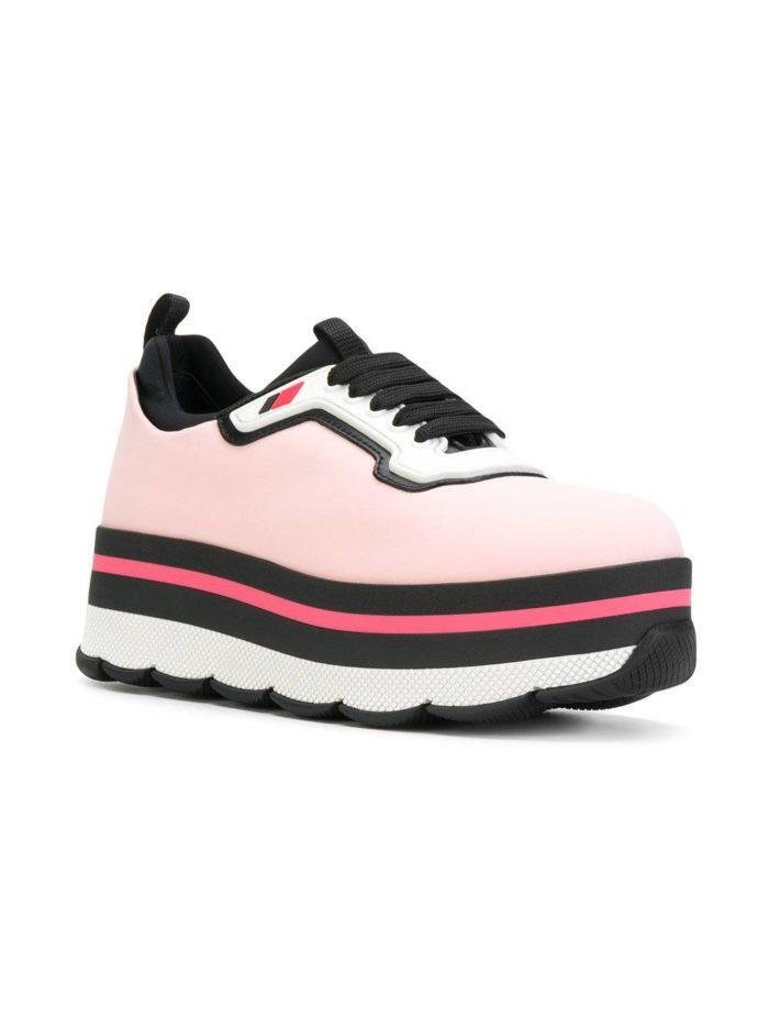 кроссовки на танкетке розовые