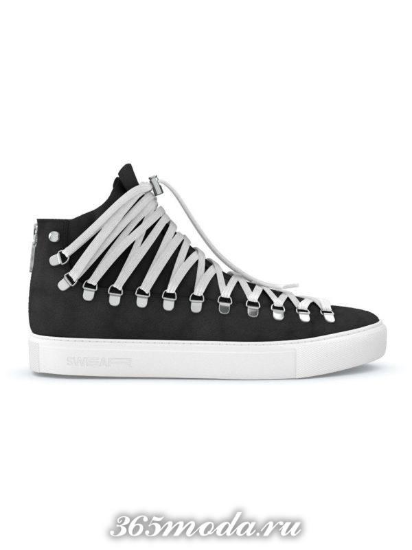 высокие кроссовки черные со шнурками
