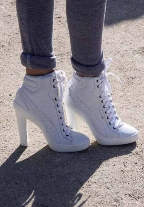 кроссовки на каблуке белые