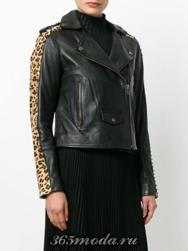 черная куртка косуха с леопардовыми вставками