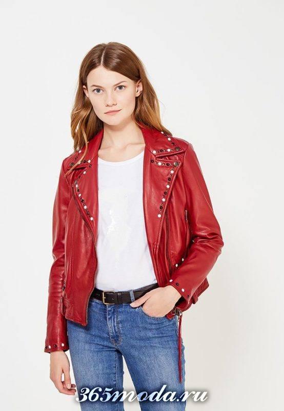 красная куртка косуха в бунтарском стиле