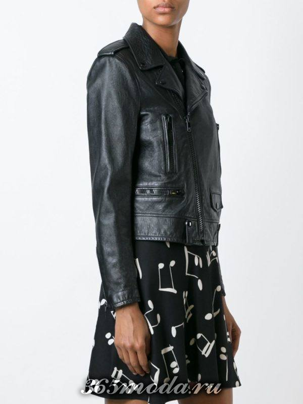 кожаная темная куртка косуха