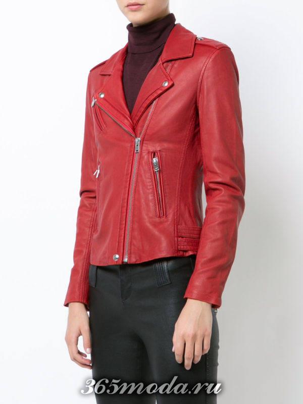 кожаная красная куртка косуха