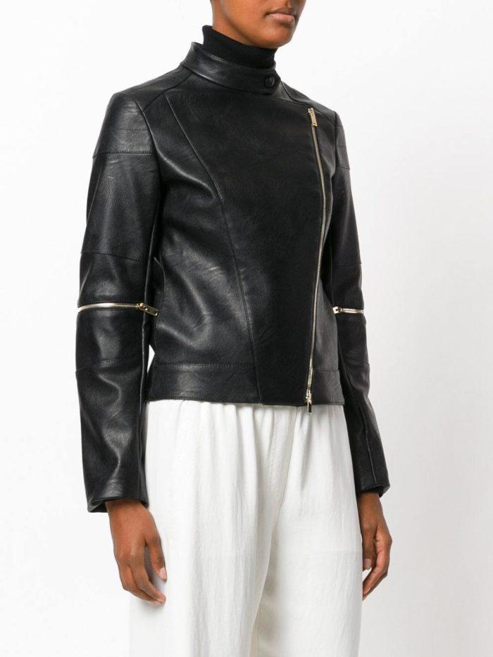 минималистичная черная куртка косуха