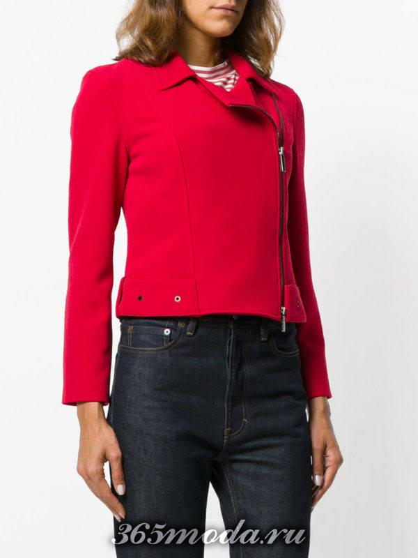 красная куртка косуха из ткани