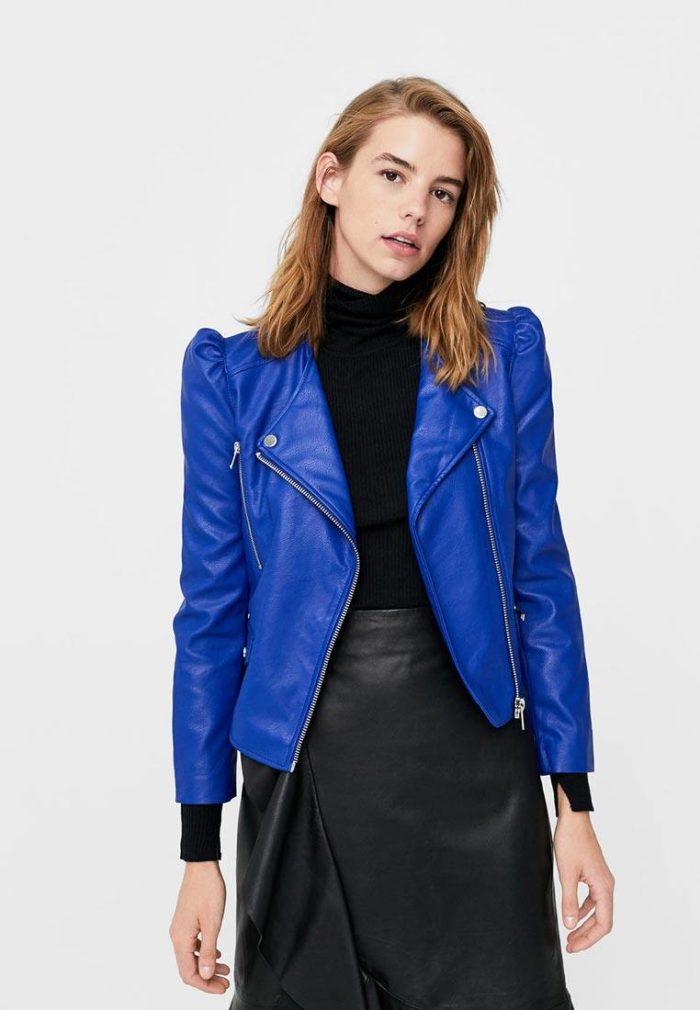 синяя куртка косуха с пышными рукавами