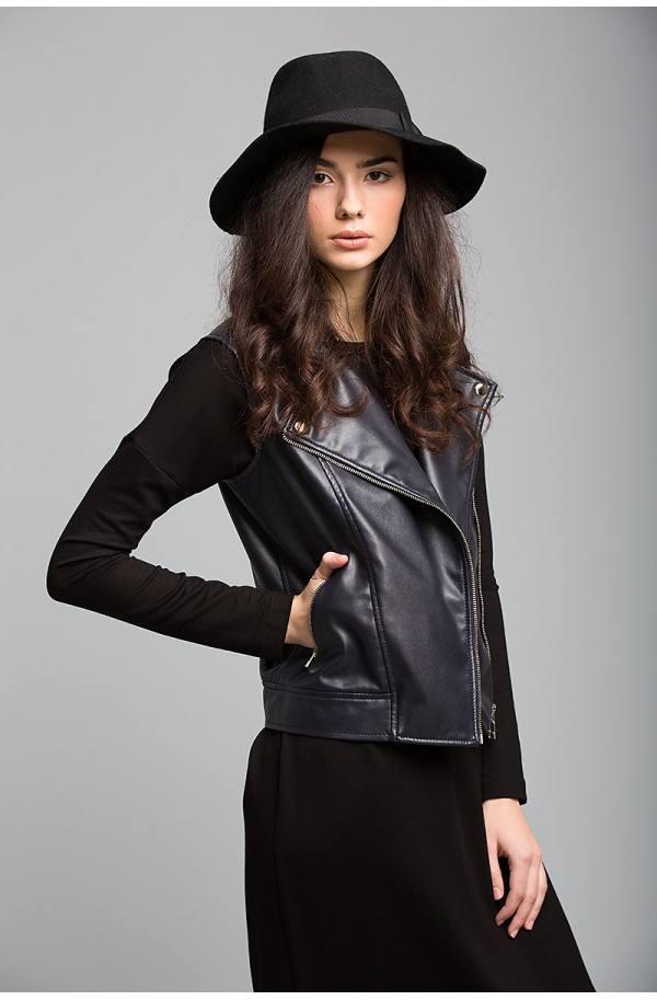 кожаный черный жилет косуха