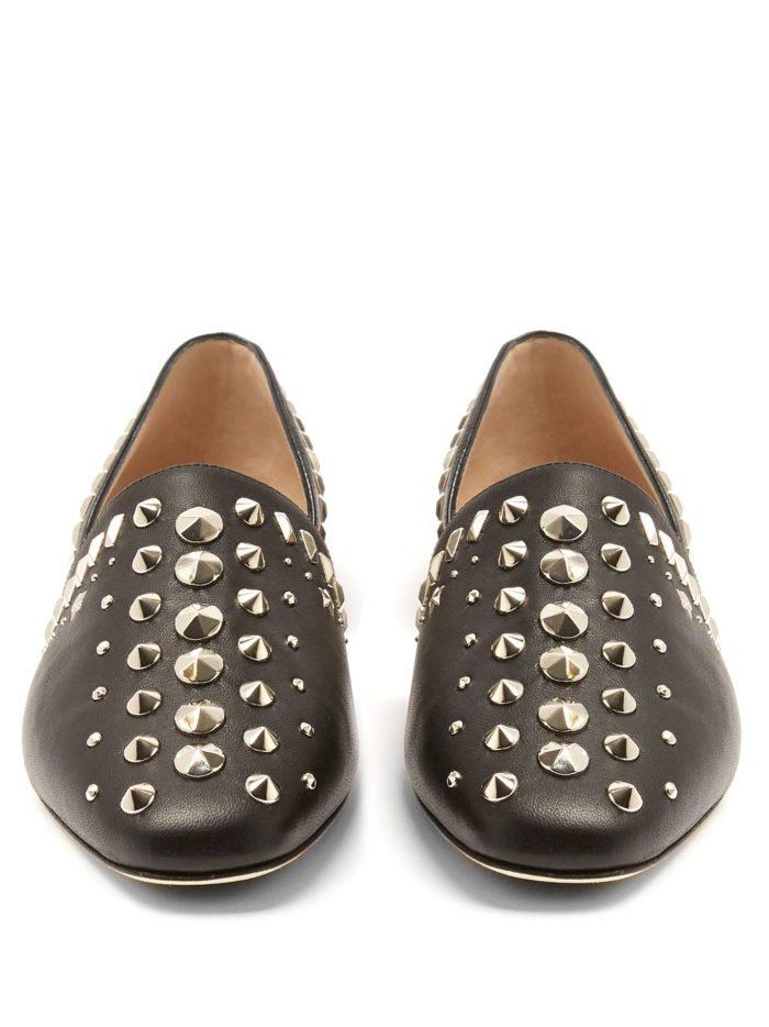 модная обувь лето 2020: черные балетки с декором