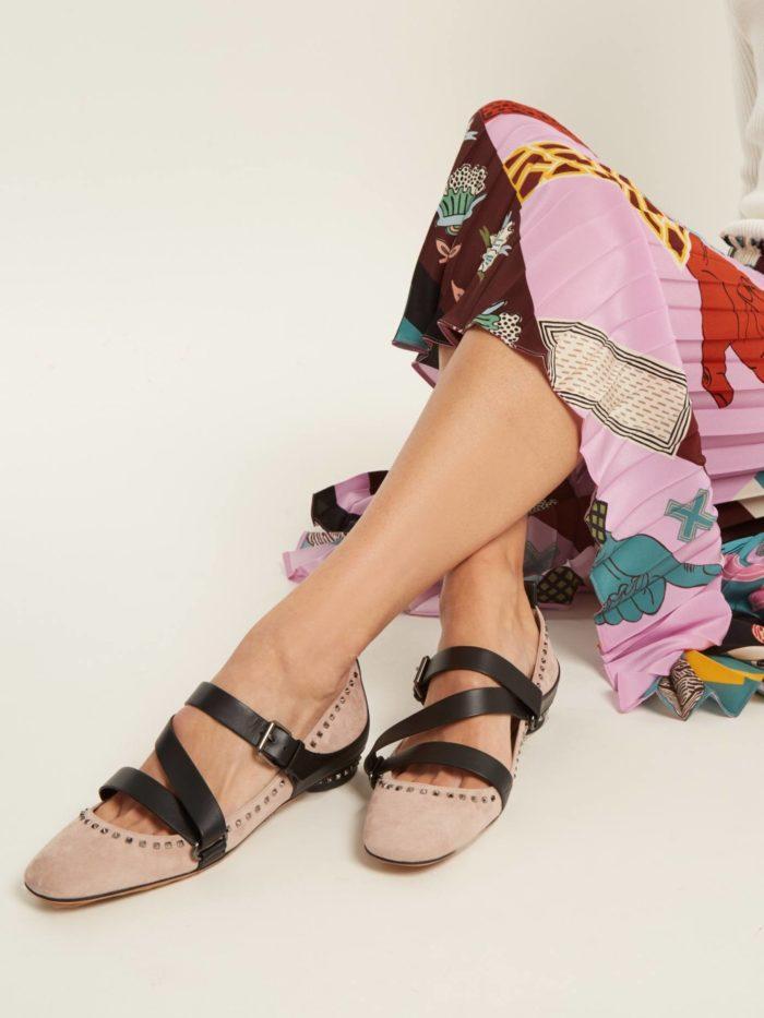 модная обувь лето 2020: розовые балетки с ремешками