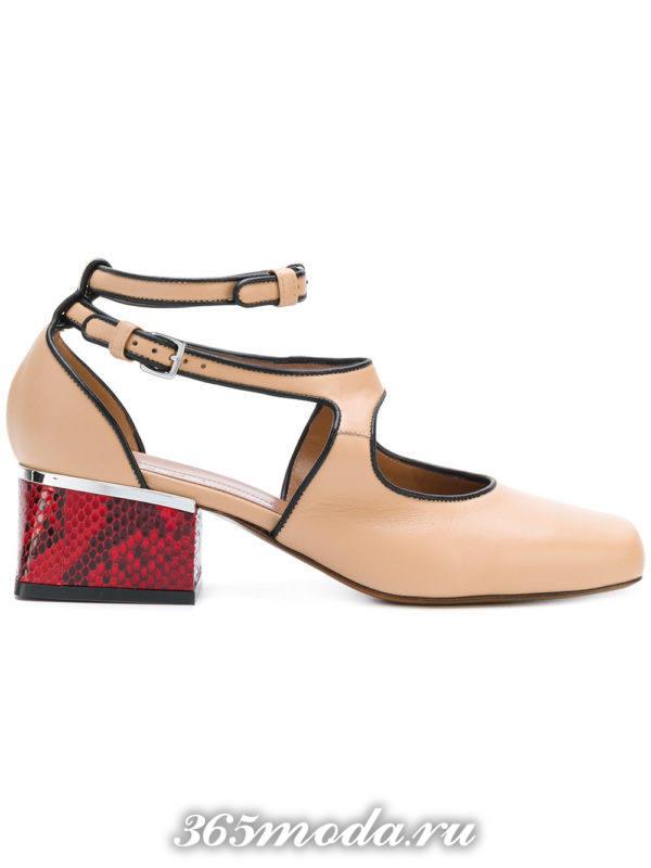 летние бежевые туфли на квадратном каблуке