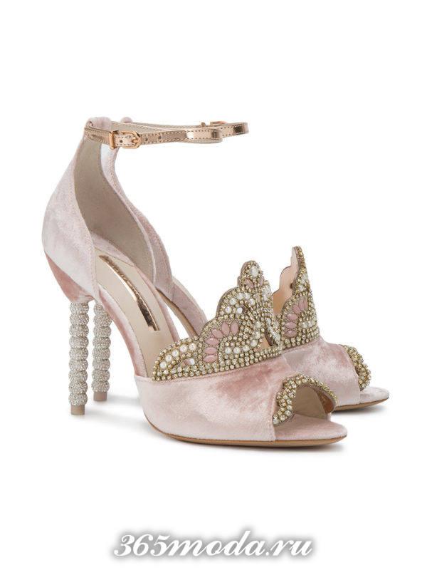 летние розовые туфли на шпильке с декором