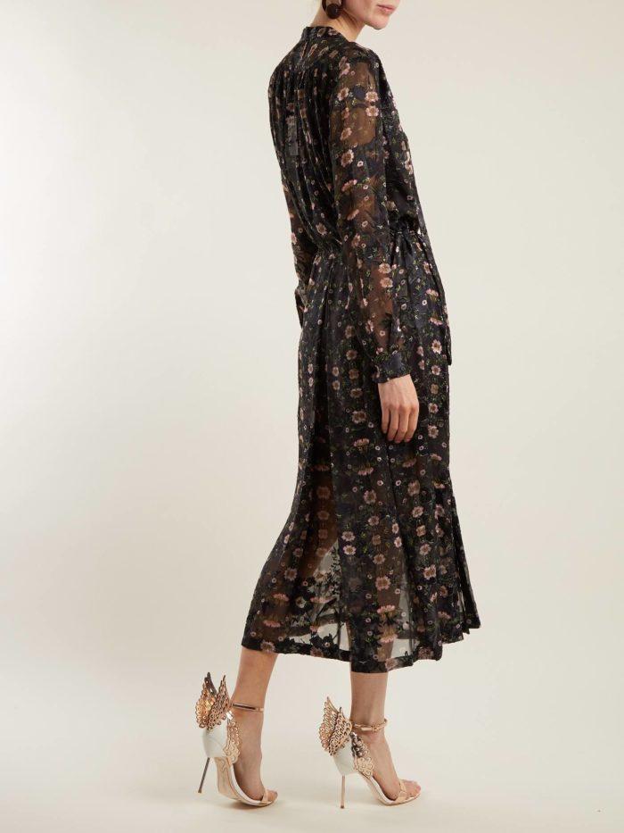 летняя женская обувь 2020: босоножки с декором на шпильке с пряжкой