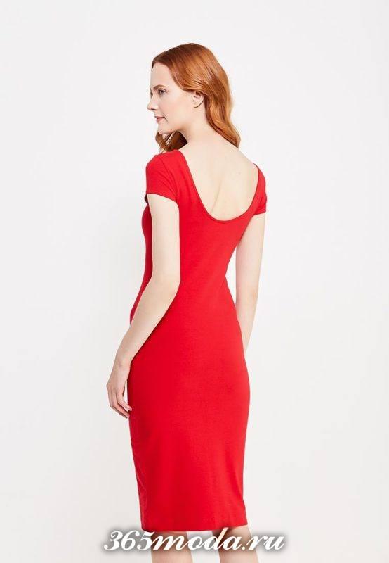 летнее красное платье футляр с обнаженной спиной