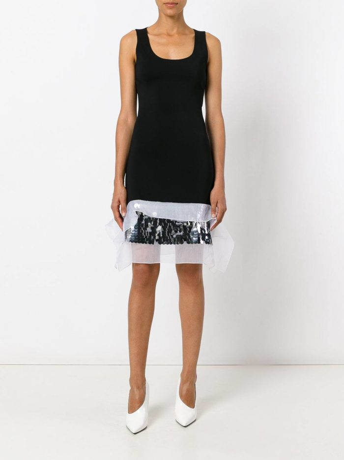 летнее черное платье футляр с декором