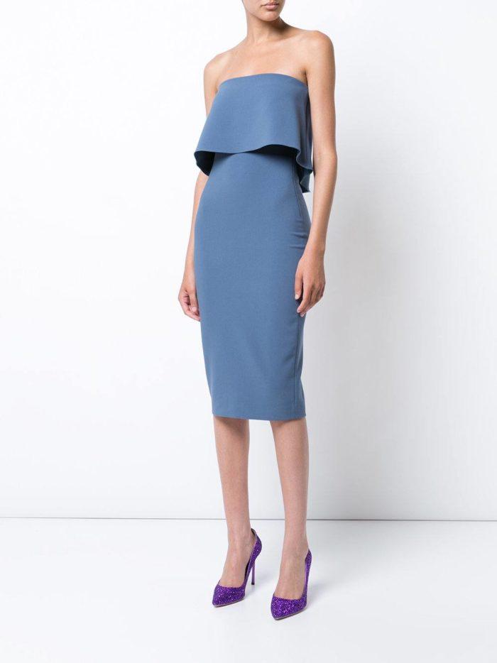 летнее голубое платье футляр с декором