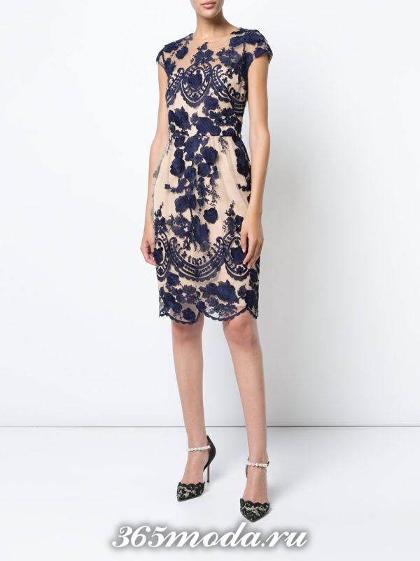 летнее кружевное платье футляр
