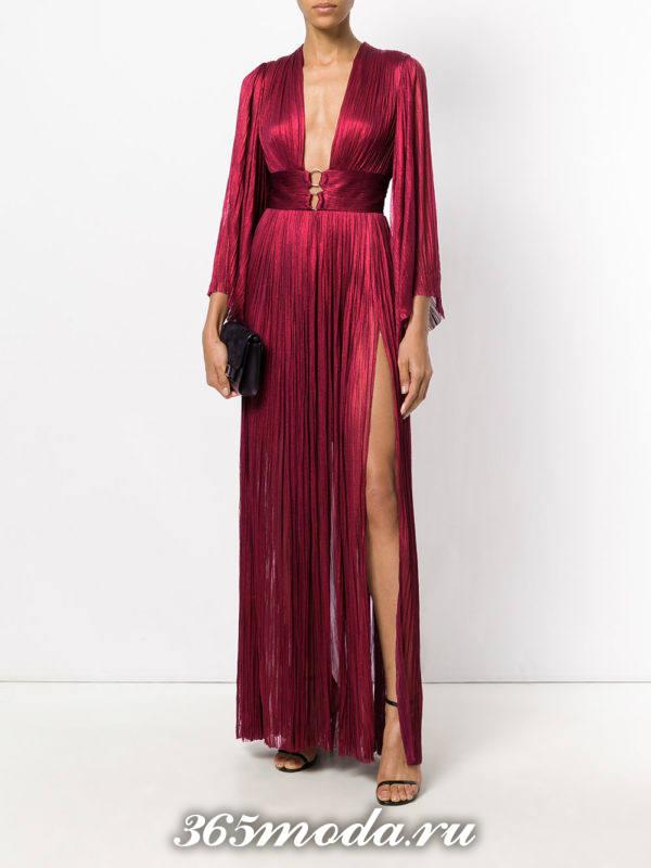 летнее бордовое платье в греческом стиле