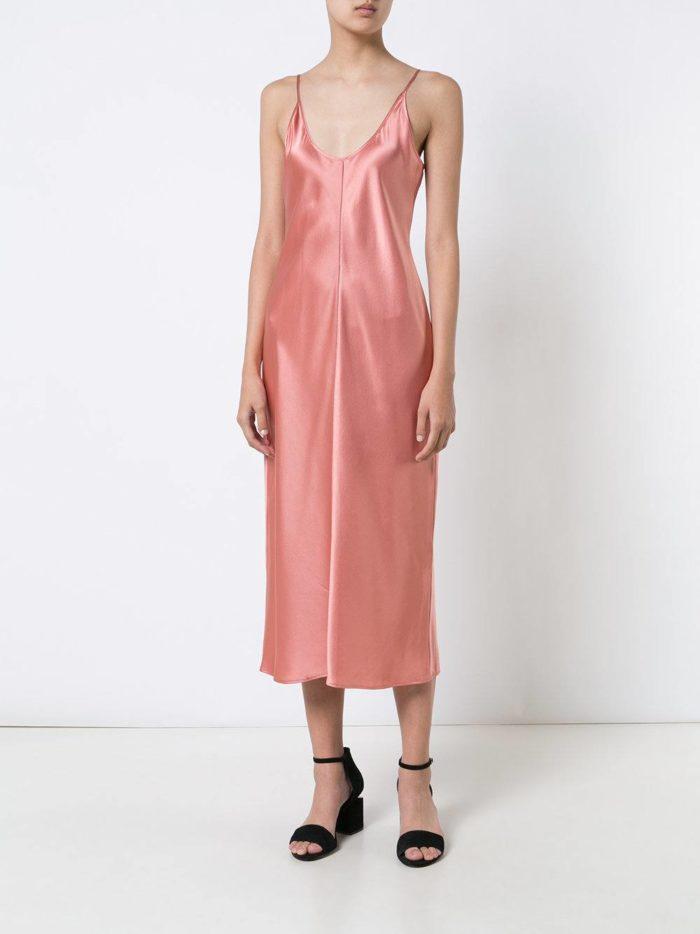 летний розовый сарафан в пижамном стиле
