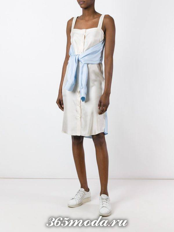 летний белый сарафан с декором в пижамном стиле