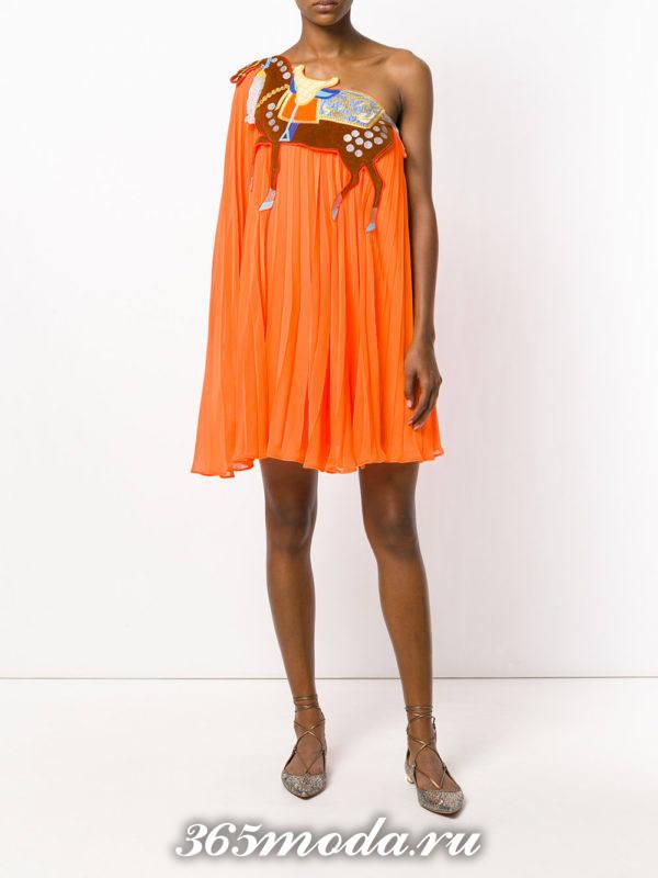 летнее свободное платье с изображением