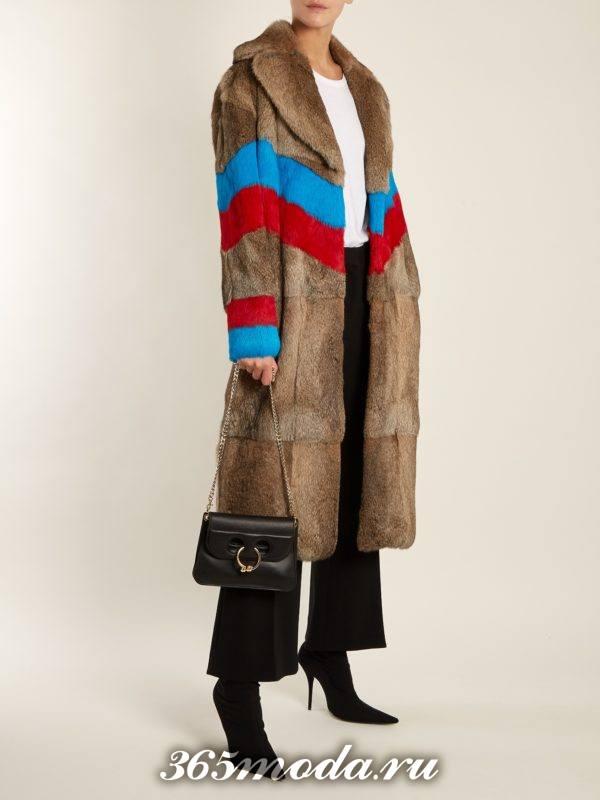 Модные луки осень-зима 2018-2019: с длинной шубой с полосками