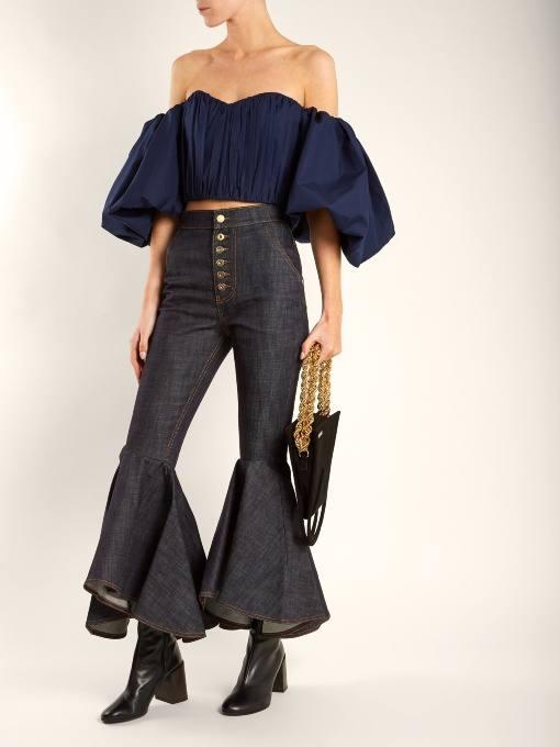 луки осень-зима: с джинсами клеш и пышным топом