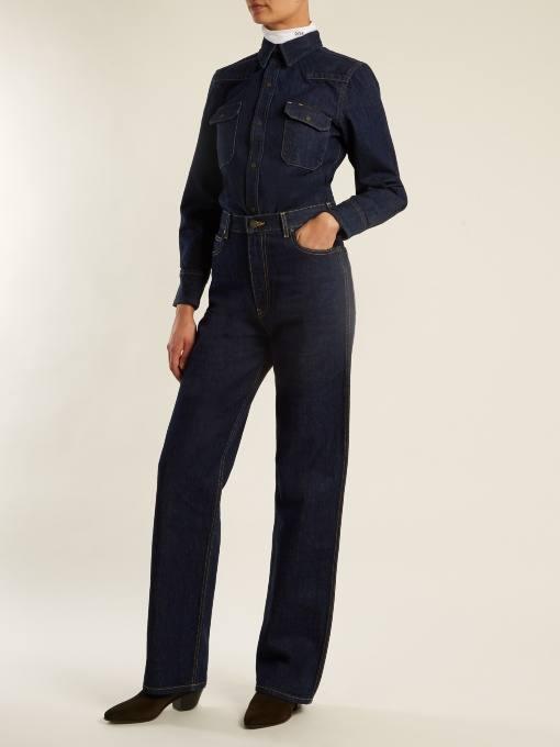 луки осень-зима: с прямыми джинсами и джинсовой рубашкой
