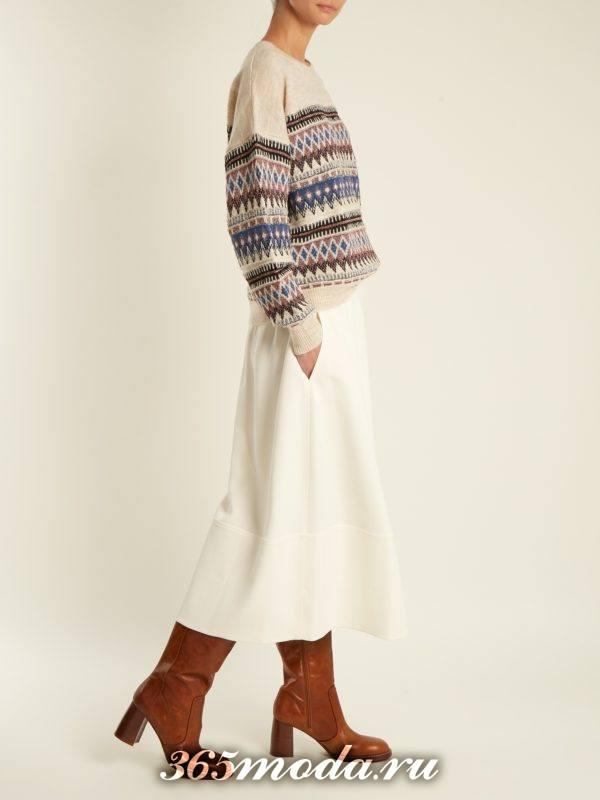 осенний лук: со свитером с узором и юбкой клеш