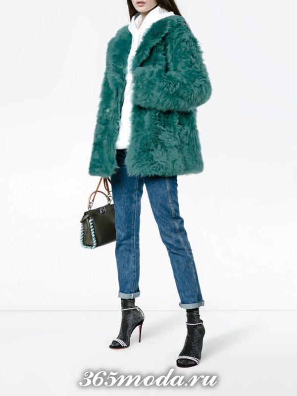 лук короткая шуба осень-зима с укороченными джинсами