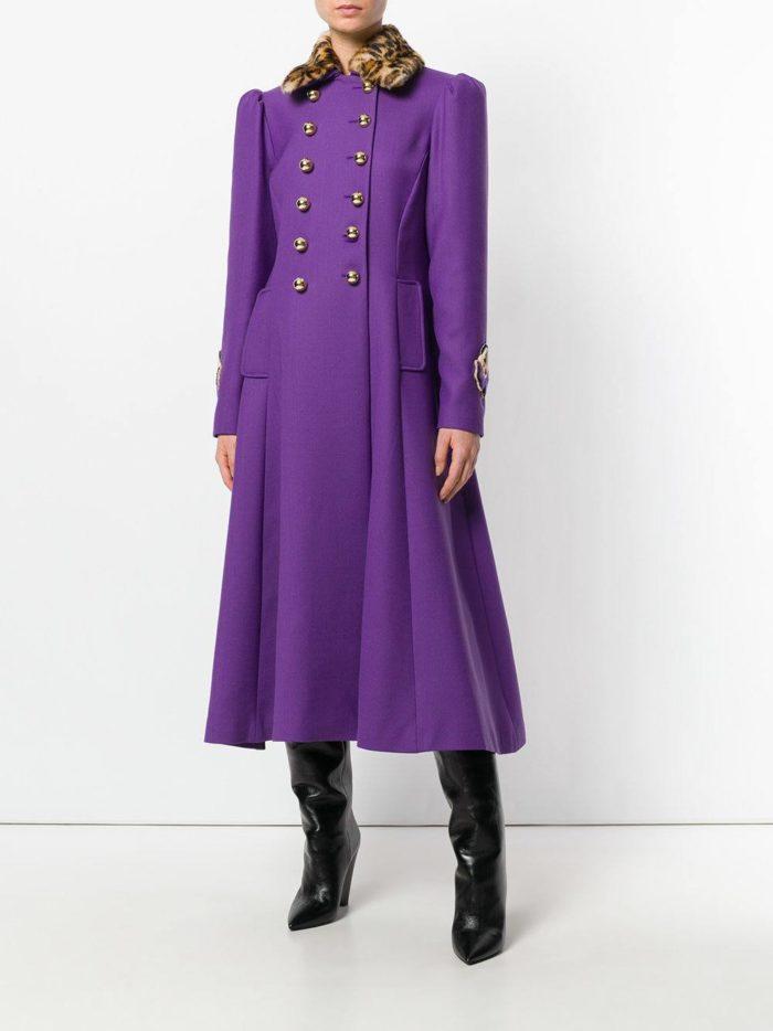 луки осень-зима 2019-2020: длинное фиолетовое пальто