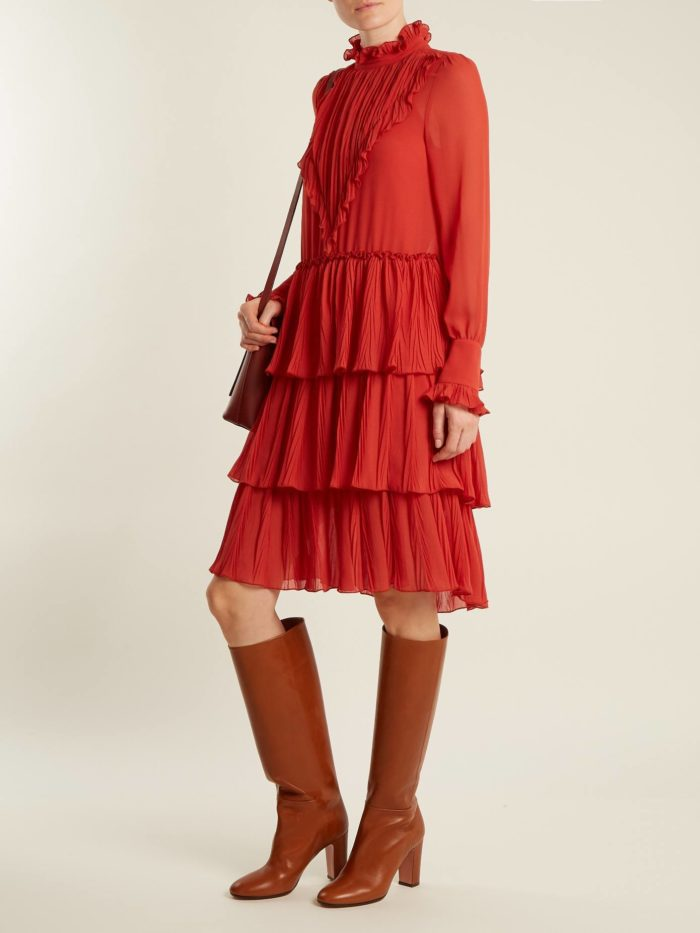 модный лук: с многослойным красным платьем