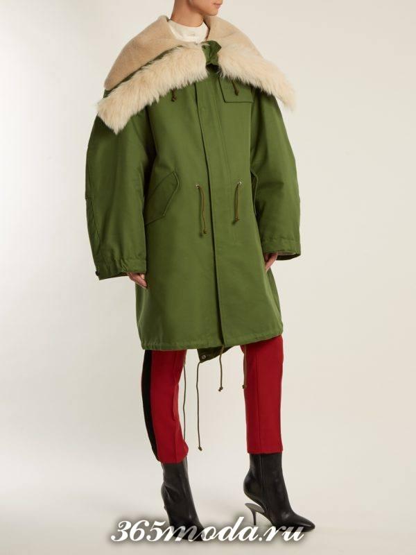 лук с паркой оверсайз и брюками осень-зима