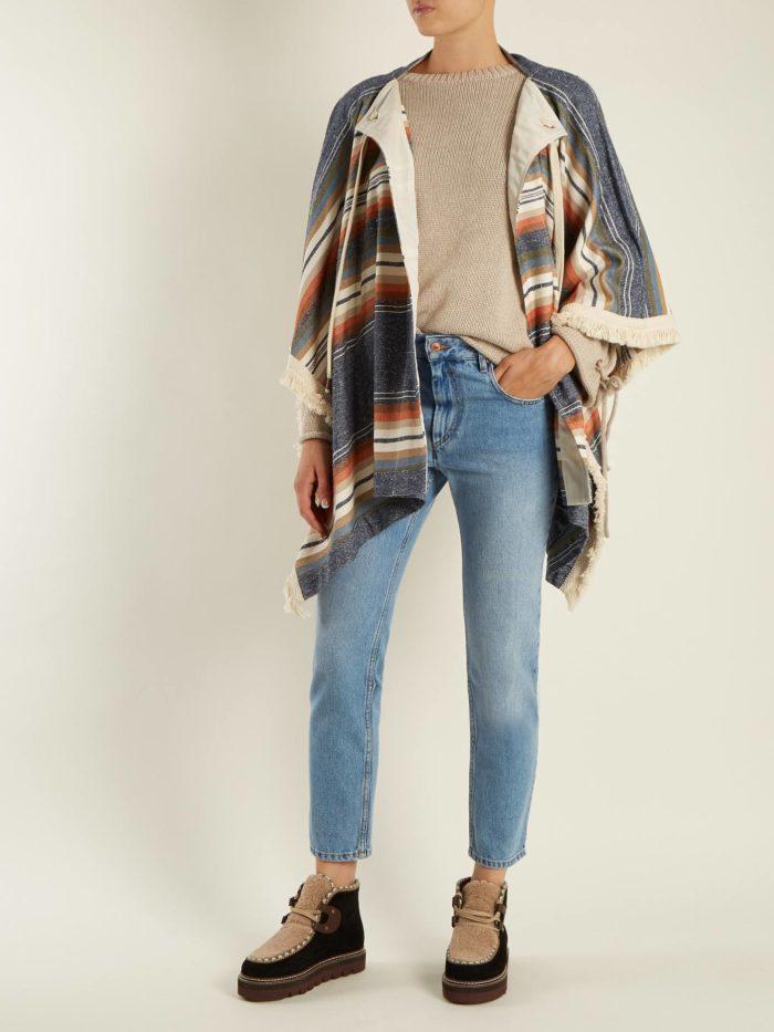 лук с низкими унтами и пончо с принтом осень-зима