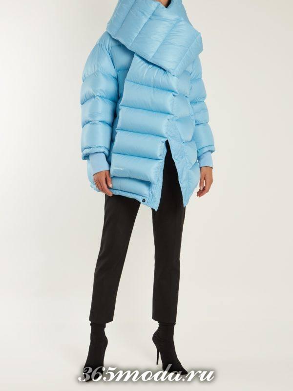 лук с асимметричным пуховиком и укороченными брюками осень-зима