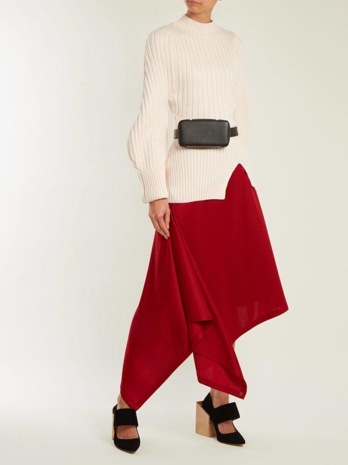 Модные луки осень-зима 2019-2020: с асимметричной красной юбкой и белой блузкой