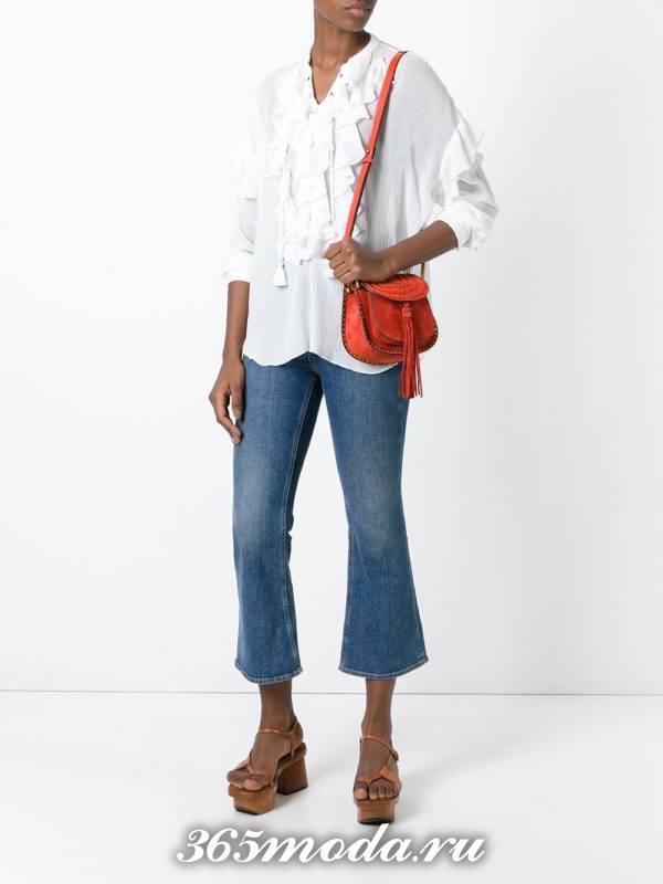 красная сумка с бахромой через плечо