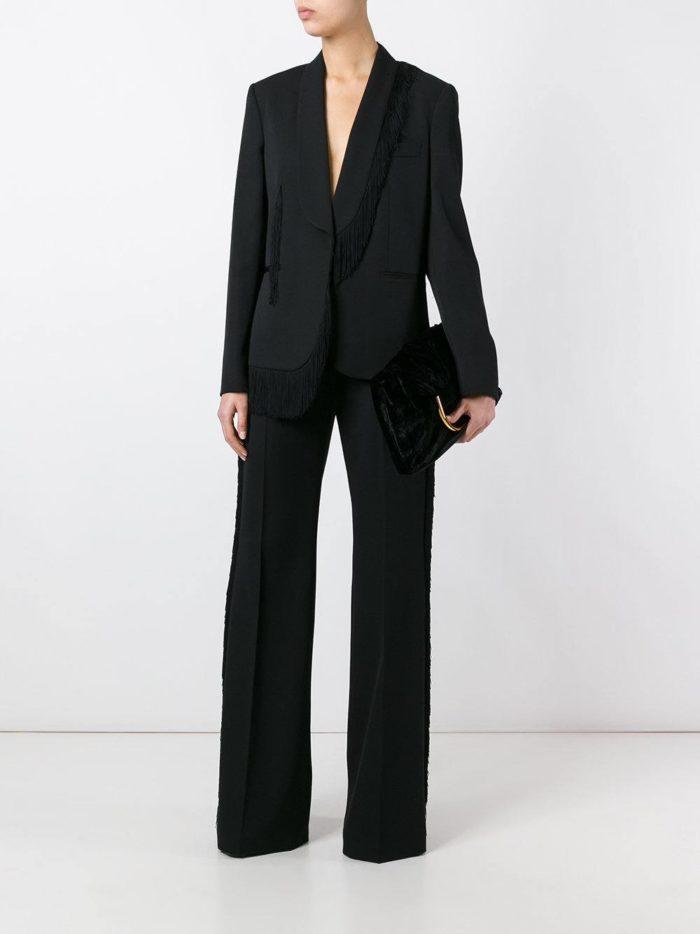 черный брючный костюм с брюками клеш