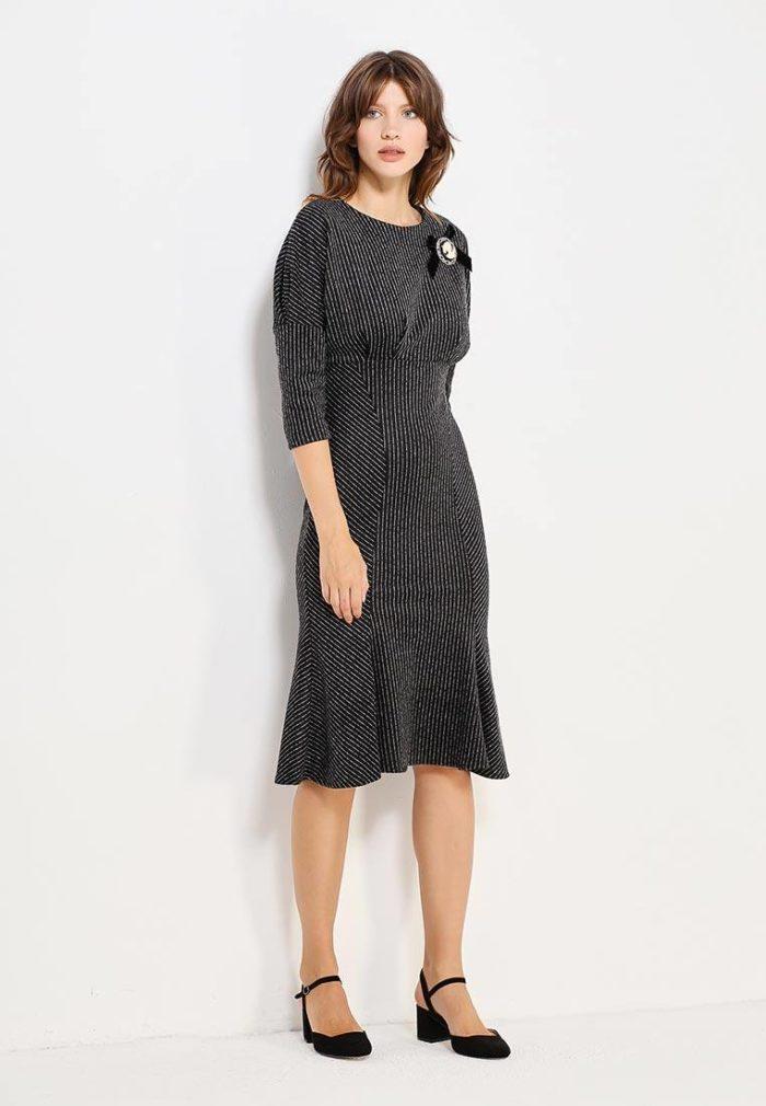 классическое серое миди платье