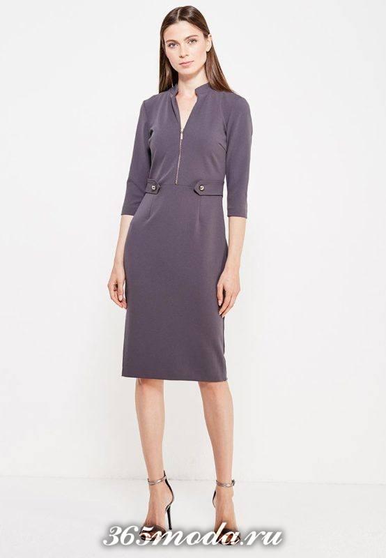 классическое платье футляр с вырезом