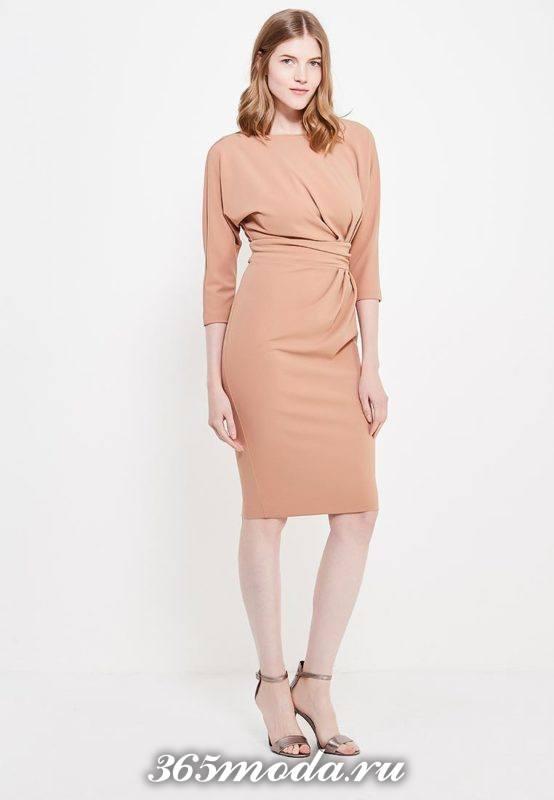 модное цветное платье футляр
