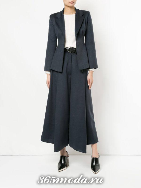 модный костюм с брюками клеш